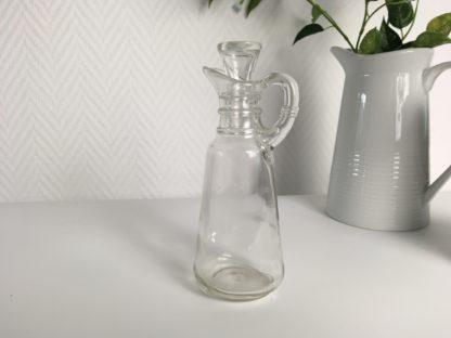 1019 Glazen schek kannetjes voor olie en of azijn (2)