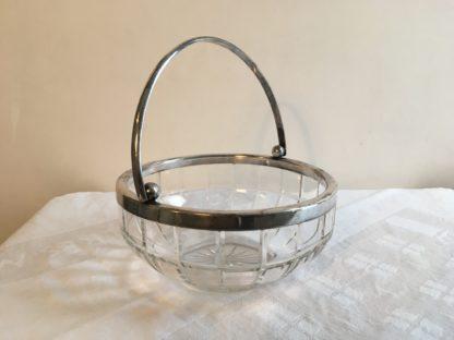 Glazen geslepen schaal met hengsel (2)