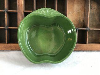 Groen aardewerk schaaltje Appel