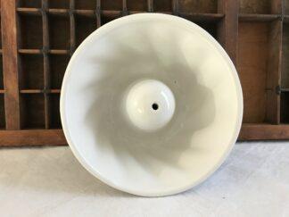 Witte aardewerken puddingvom Tulband
